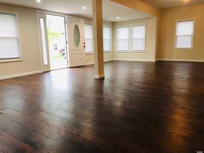 Freeport Single Family Home For Sale: 236 Soma Pl