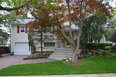 W. Hempstead Single Family Home For Sale: 517 Greenwood Ct