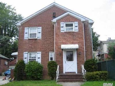 Fresh Meadows Single Family Home For Sale: 6714 171 St