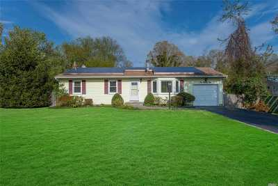 Kings Park Single Family Home For Sale: 129 Birch Rd