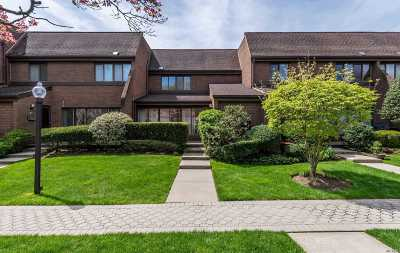 Roslyn NY Condo/Townhouse For Sale: $538,000