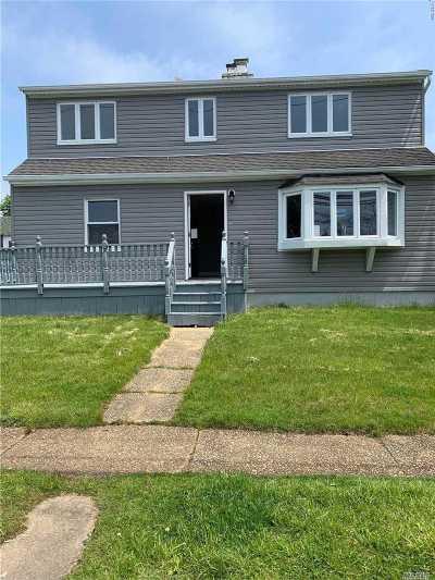 Freeport Single Family Home For Sale: 727 Guy Lombardo Ave