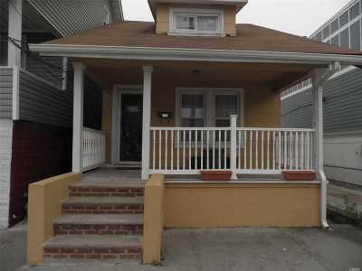 Single Family Home For Sale: 342 Beach 44th St