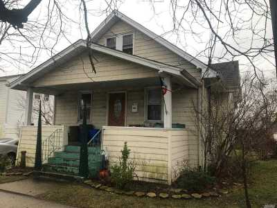 Freeport Single Family Home For Sale: 129 Atlantic Ave
