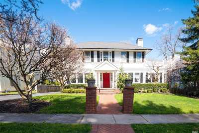 Great Neck Single Family Home For Sale: 9 Windsor Rd