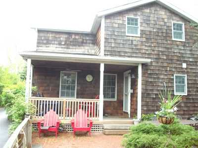 Greenlawn Single Family Home For Sale: 28 East Maple Rd