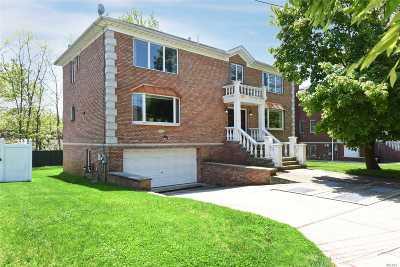 Douglaston Single Family Home For Sale: 233-32 41 Ave