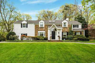 Great Neck Single Family Home For Sale: 35 Old Field Ln