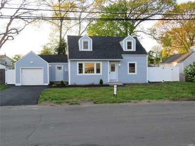 Babylon Single Family Home For Sale: 127 Foster Blvd