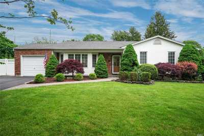 Syosset Single Family Home For Sale: 201 Syosset Woodbury Rd
