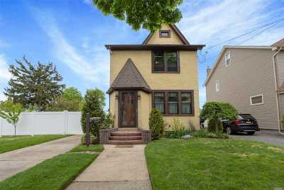 W. Hempstead Single Family Home For Sale: 80 New York Ave