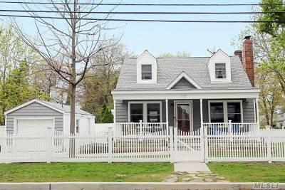 Lindenhurst Single Family Home For Sale: 103 N Fulton Ave