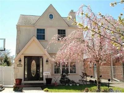 Bellerose, Glen Oaks Single Family Home For Sale: 248-10 87th Dr