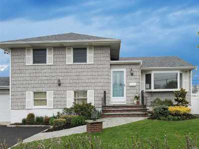 Bellmore Single Family Home For Sale: 2685 Landing Ave