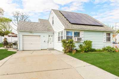 Massapequa Single Family Home For Sale: 15 Amber Dr