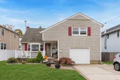 Bellmore Single Family Home For Sale: 2830 Chapman Ave