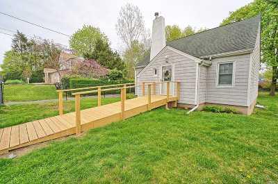 Kings Park Single Family Home For Sale: 34 Burr Ave
