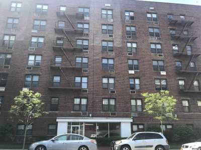 Flushing Condo/Townhouse For Sale: 152-72 Melbourne Ave #3 J