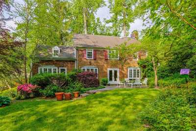 Great Neck Single Family Home For Sale: 4 N Ravine Rd