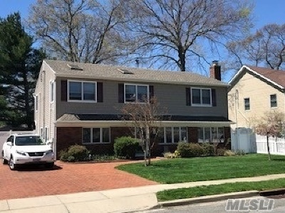 Wantagh Single Family Home For Sale: 1712 Jane St