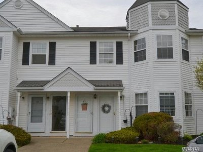 Middle Island Condo/Townhouse For Sale: 65 Country View Ln
