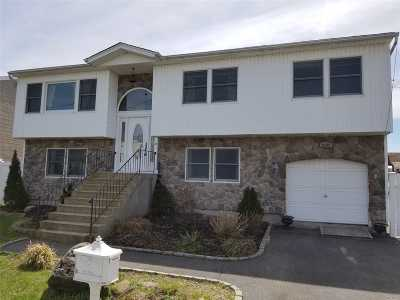 Seaford Single Family Home For Sale: 3542 Shore Pl
