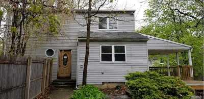 Huntington Sta Single Family Home For Sale: 46 E 21st St
