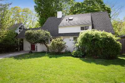 Levittown Single Family Home For Sale: 86 Greenbelt Ln