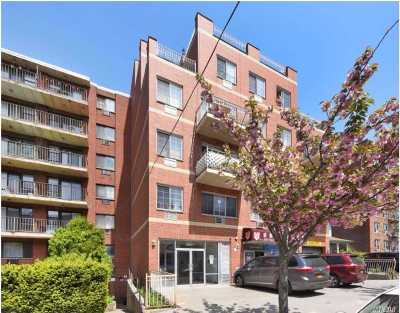 Flushing Condo/Townhouse For Sale: 139-39 35 Ave #2FLoor