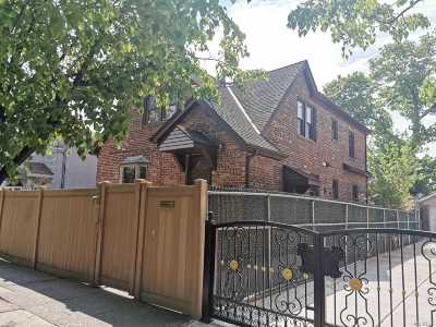Fresh Meadows Multi Family Home For Sale: 160-20 79 Ave