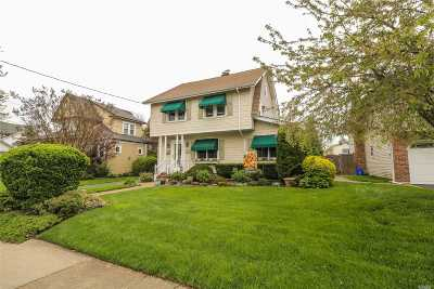 Rockville Centre Single Family Home For Sale: 109 Brower Ave