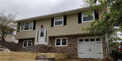 Huntington Sta Single Family Home For Sale: 8 Deamer Ct
