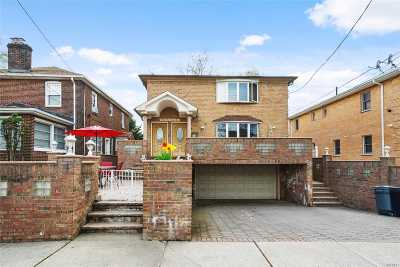 Bayside Multi Family Home For Sale: 39-26 203rd St
