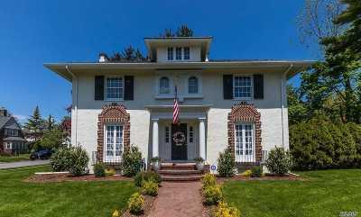 Rockville Centre Single Family Home For Sale: 355 Demott Ave