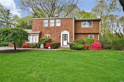 Roslyn Single Family Home For Sale: 137 Hillturn Ln