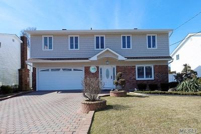 Bellmore Single Family Home For Sale: 3024 Susan Rd
