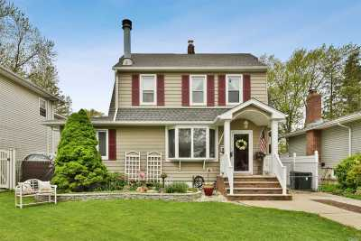 Wantagh Single Family Home For Sale: 2142 Willoughby Ave