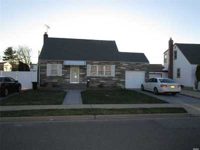 Hicksville Single Family Home For Sale: 148 Lee Ave