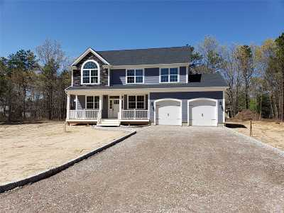 Manorville Single Family Home For Sale: N/C Weeks Ave