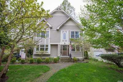East Islip Single Family Home For Sale: 38 Champlin Ave