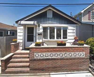 Queens County Single Family Home For Sale: 13 E 7th Rd