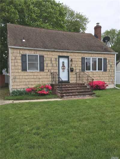 Massapequa Single Family Home For Sale: 1 Plymouth Dr