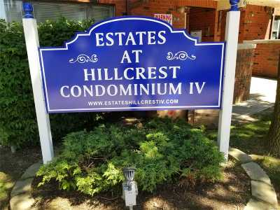 Fresh Meadows Condo/Townhouse For Sale: 71-03 Park Ave