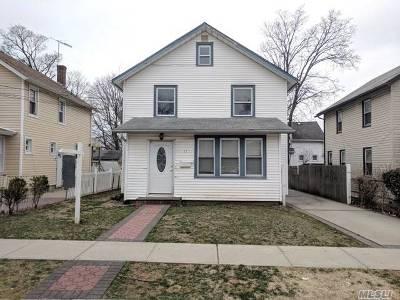 Nassau County Single Family Home For Sale: 11 Nostrand Pl