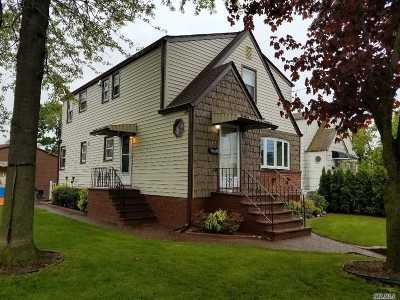 Valley Stream Single Family Home For Sale: 19 Horton Ave