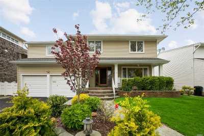 Atlantic Beach Single Family Home For Sale: 187 Bayside Dr
