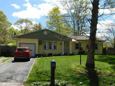 Coram Single Family Home For Sale: 60 W Denis Ln