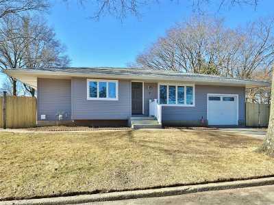 Commack Single Family Home For Sale: 1 Sugarwood Ln
