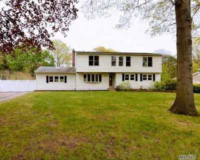 Ronkonkoma Single Family Home For Sale: 1189 Terry Rd