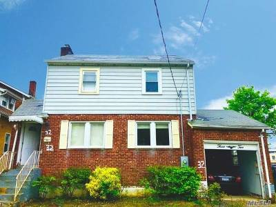 Freeport Single Family Home For Sale: 32 Grand Ave